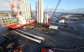 Ørsted's Walney Extension plugs in final phase